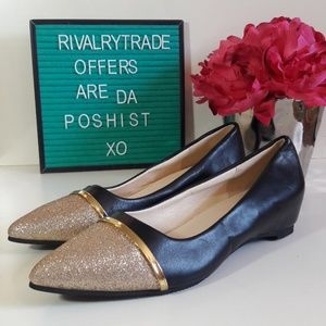 Shoes - Gold Toe pointed Flats NWOT